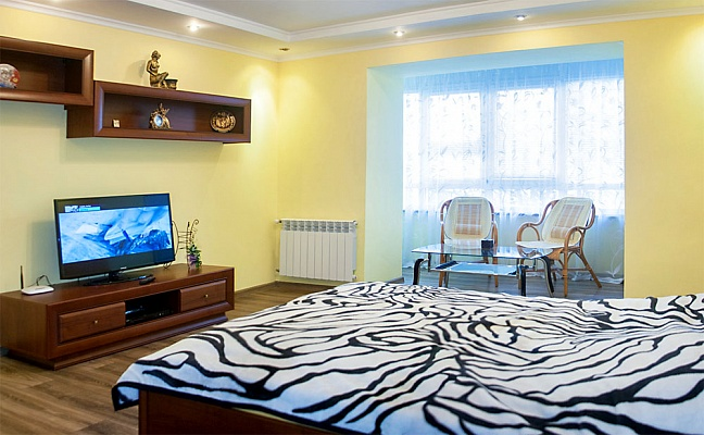 1-комнатная квартира посуточно в Трускавце. ул. Стебницкая, 62. Фото 1
