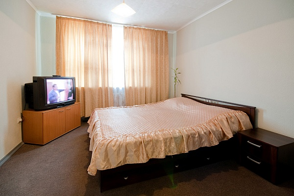 2-комнатная квартира посуточно в Львове. Галицкий район, ул. Сербская , 13. Фото 1