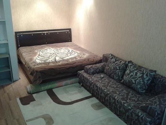 1-комнатная квартира посуточно в Евпатории. ул. Демышева, 104. Фото 1