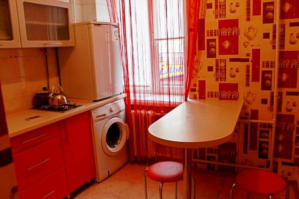 1-комнатная квартира посуточно в Черкассах. ул. Дашкевича, 29. Фото 1