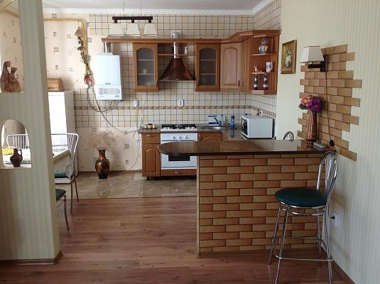2-комнатная квартира посуточно в Миргороде. ул. Кашинского, 4. Фото 1