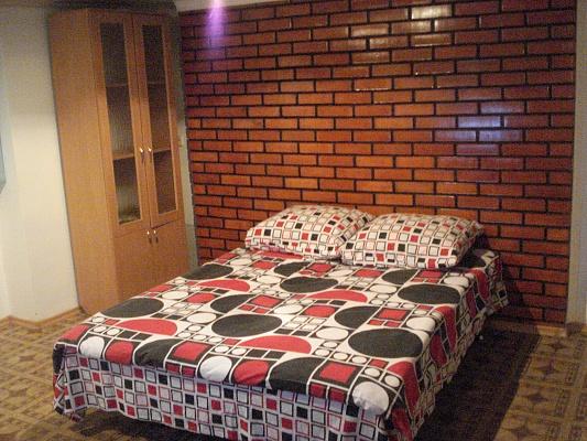 2-комнатная квартира посуточно в Львове. Галицкий район, ул. Пыльныкарская, 2. Фото 1