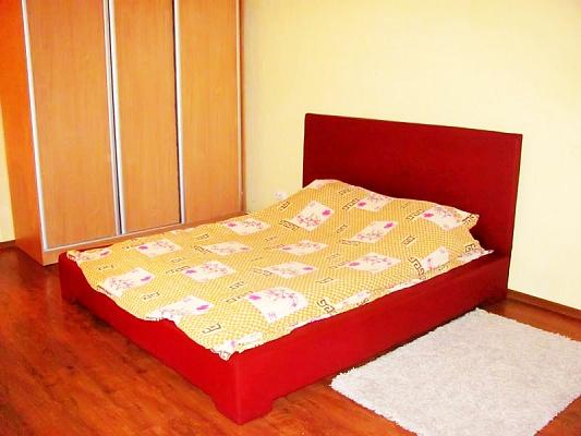 1-комнатная квартира посуточно в Луганске. Ленинский район, ул.Демёхина, 18. Фото 1