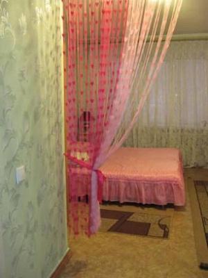 1-комнатная квартира посуточно в Харькове. Московский район, Тимуровцев, 31. Фото 1