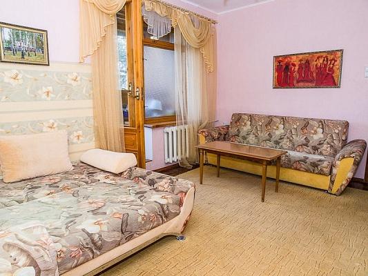 2-комнатная квартира посуточно в Харькове. Дзержинский район, ул. Культуры, 16. Фото 1