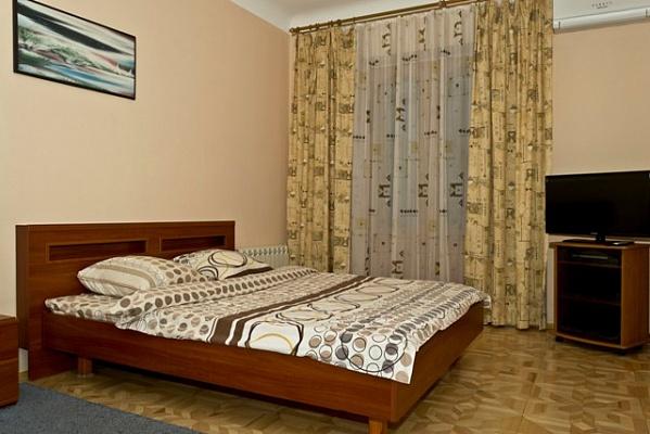 1-комнатная квартира посуточно в Киеве. Печерский район, ул. Дарвина, 1. Фото 1