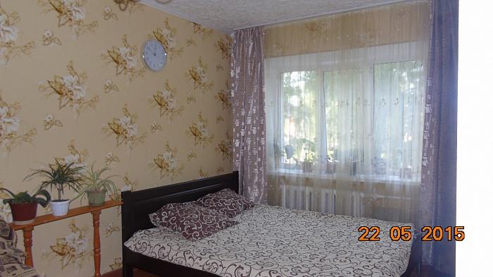 1-комнатная квартира посуточно в Житомире. Привокзальный майдан, 5. Фото 1