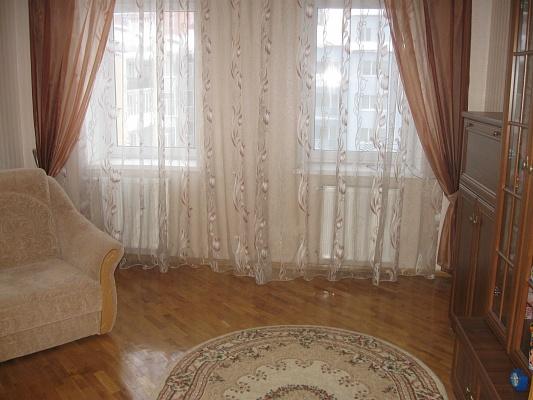 1-комнатная квартира посуточно в Ивано-Франковске. ул. Ивасюка, 78. Фото 1