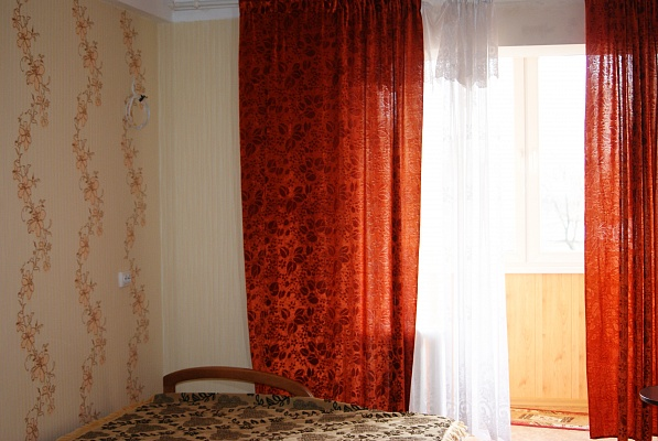 1-комнатная квартира посуточно в Севастополе. Гагаринский район, ул. Д. Ульянова, 18. Фото 1